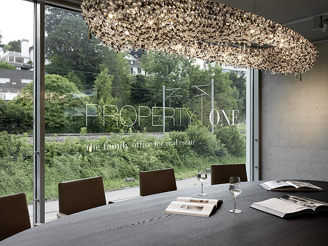 Artica in un Office Space a Zurigo, Manooi Crystal Chandeliers