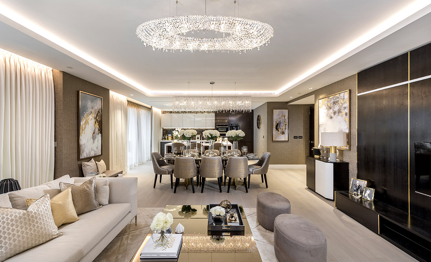 Лондонские апартаменты, Manooi Crystal Chandeliers