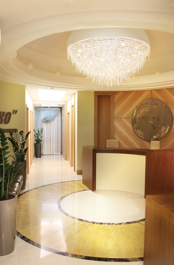 Luxury office in Moscow, Manooi Crystal Chandeliers